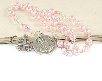 Christian Rosenkranz, Gelassenheit Gebet Nazaret Rosenkranz, rosa Swarovski® Perlen, Jerusalem Kreuz
