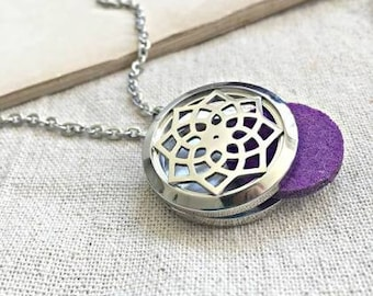 Essential Oil Diffuser Locket With Necklace and Diffuser Pad!