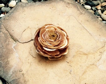Natural Beige Small Ranunculus silk flower hair clip