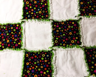 Baby rag quilt black white green circles colorful baby shower gift cotton and flannel
