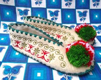 Greek Slippers Size 39 / UK6,5 / wool / leather / pompom / ladies