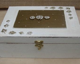 WOODEN JEWELRY BOX, jewelry box vintage, jewelry display
