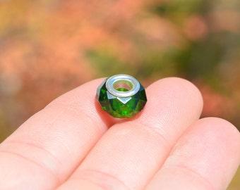 5 Glass European Bright Green Beads  BD940