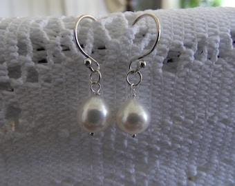 Fresh Water Pearl Earring, Sterling Silver, Mom  Earring, Pearl Earring, Mother's Day Earring, Bridemaid Gift