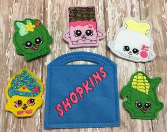 Set of 5 Shop finger puppets and carrying case