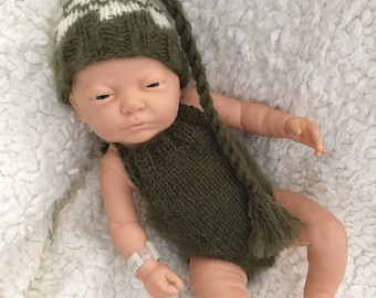 Newborn size knit romper and long tail tassel hat,photo prop,gift,coming home,bonnet,alpaca blend, ready to ship green
