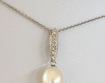 7.5 - 8.0mm White Cultured Freshwater Pearl Necklace in Sterling Silver 22cm