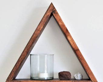 The Pyramid Shelf with hanger