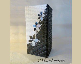 Black & white vase - Glass mosaic vase - Black vase - Vase glass - Mosaic vase - Mosaic art - Unique vases - Black glass vase - White vase
