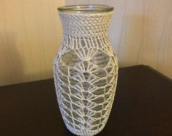 Vase en verre et dentelle fait main au crochet
