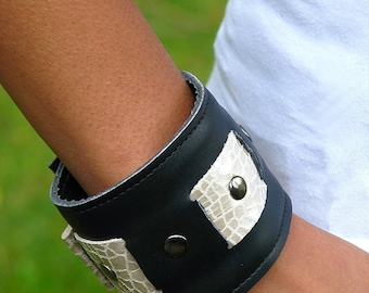 Womens Leather Bracelet Wrist Wallet Cuff with Secret Pocket -- Black and Cream