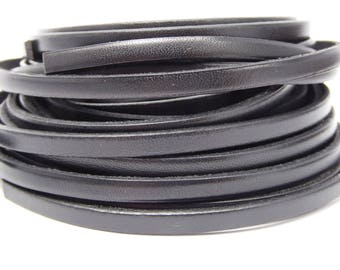 Leather Strip 5 mm flat black, sold by 20 cm