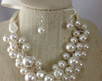 Ivory pearl chunky necklace - bridesmaid jewelry-statement necklace, bauble necklace chunky pearl necklace, bridesmaid necklace