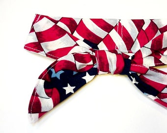Miniature Cooling Collar TIE ONE ON Dog Neck Cooler Collar Pet Stay Cool Wrap Bandana Small Dogs 6 to 8 inch neck Patriotic Paw Prints