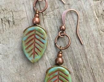 Nature jewelry, leaf earrings, dangle earrings, green earrings, nature lover gift, gift for her
