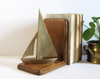 Vintage Brass Sailboat Bookend - Heavy Oak Wood Bookend - Nautical Home Decor World Travel Decor - Brass Office Decor - Book Shelf Organizer