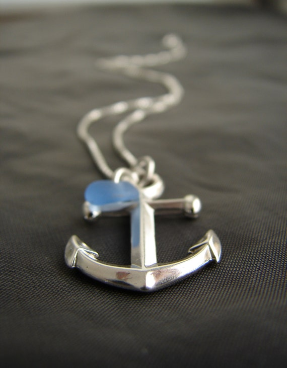 Mooring sea glass necklace in cornflower blue