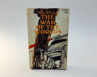 Vintage Sci Fi Book The War of the Worlds by H. G. Wells 1968 Paperback