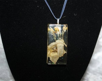 Jewelry resin flowers