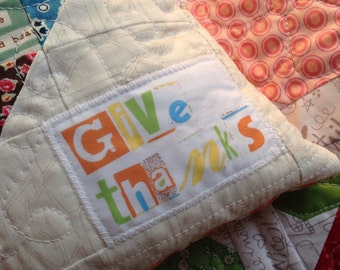 give thanks fabric label