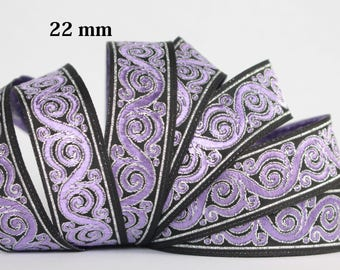 Embroidered Jacquard lace * medieval * 22 mm wide