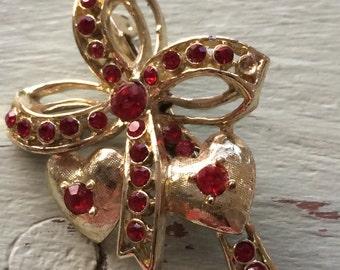 Vintage Heart Brooch,  Heart Brooch, Red Rhinestone Brooch, Heart and Bow Brooch, Heart Pin, Valentine's Day, Christmas Brooch