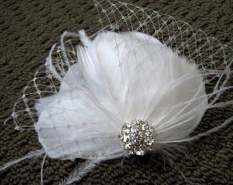 Wedding Bridal White Light Ivory Feather Rhinestone Jewel Veiling Head Piece Hair Clip Fascinator Accessory