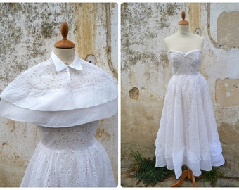 Vintage 1950 French embroidered organdi bridal dress + capelet size XXS /XS