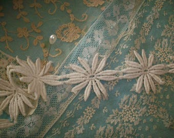 vintage daisies by the yard cotton lace lovely design