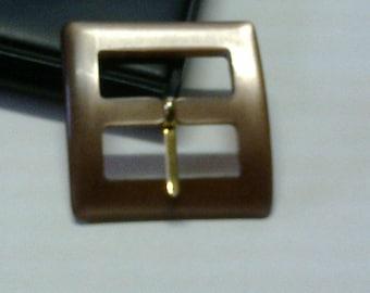 Light brown carreee passage 2.4 cm plastic buckle * BO140 *.