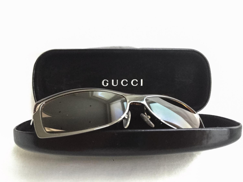 GUCCI Sonnenbrille Rechteck mit Rahmen