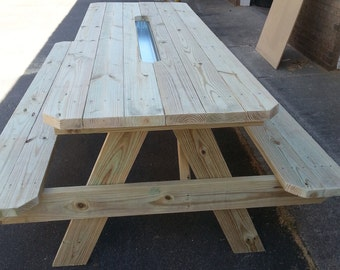 6ft Picnic Table with Wine Chiller !