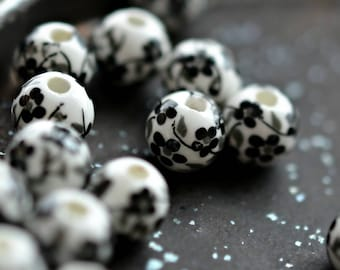 China Girl - Porcelain, Ceramic Beads, Opaque White, Jet Black, Blossom Flower Rounds 10mm - Pc 6