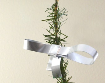 Little Silver Bow Tree Topper- mini metal Silver wire bow decoration - Silver Christmas Tree Topper -small  aluminum