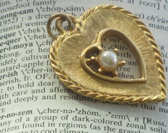 Vintage Gold Tone Open Heart Charm with Faux Pearl