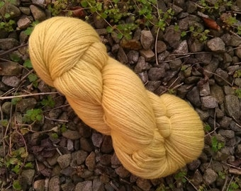 Naturally dyed with dock and dandelion leaf, cashmere, alpaca, merino blend 4 ply yarn, 100g, 380m