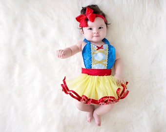 SNOW WHITE costume baby, Snow White dress, Snow White baby costume, newborn photo prop, princess baby shower, baby girl cake smash outfit