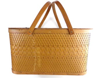 Large Vintage Woven Wicker Picnic Basket