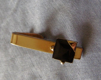 Sleek Modern Tie Bar Clip w Black Glass on goldtone Finish - MOD design vintage mens Fashion Tie Clasp Wedding Jewelry - Fiancee, Groom gift