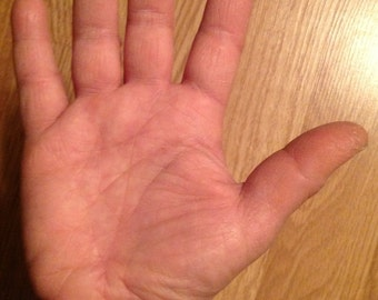 Online Palm Reading by Chantelle Very accurate, timed events, people, personality. Yrs of experience. Excellent references