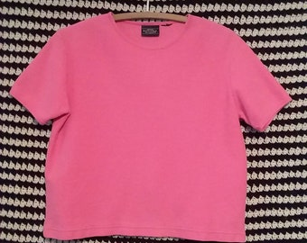 Pink cropped 90s tee