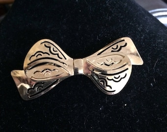 Vintage Brass Bow Brooch Pin