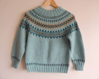FREE SHIPPING - Vintage/Handmade blue, beige and dark green knitted Icelandic seamless sweater, size approx. xxs/xs