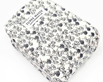 Zero Waste Black and White Sandwich Wrap - Reusable Food Wrap - Lunch bags - Eco Friendly Floral Gifts for her - Sustainable Living Gifts