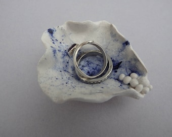 Porcelain ring/jewellery dish