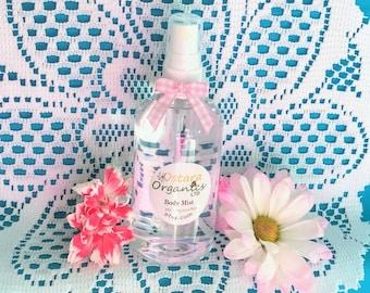 Honeysuckle Body Mist, Body Spray, Natural Body Spray, Natural Body Mist, Natural perfume, Toxin Free Perfume, Organic Mist, Gift for her