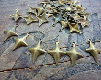 6 Vintage Brass Star Stamping