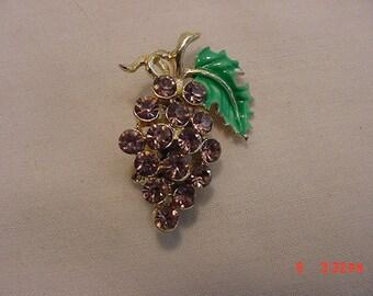 Vintage Rhinestone Grape Cluster Brooch  18 - 595