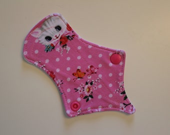 "6"" thong liner reusable cloth pantyliner - kitschy kitten jersey"