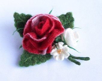 Red rose bouquet brooch pin Multicolor green red white Bright accessory Elegant Wedding accessory jewelry Flower floral pin